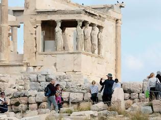 Φωτογραφία για Υποχρεωτικό τεστ και καραντίνα 7 ημερών για τουρίστες από μη «ασφαλείς» επιδημιολογικά χώρες