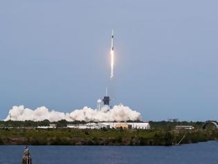 Φωτογραφία για Επιτυχής η εκτόξευση της SpaceX στο Διάστημα
