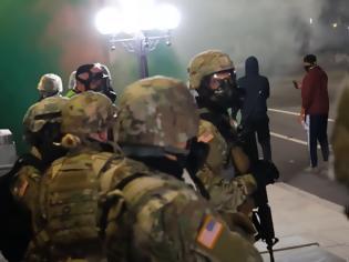 Φωτογραφία για Εικόνες σοκ! Ο Στρατός των ΗΠΑ κατέκλυσε τους δρόμους! (Φωτο και βίντεο)