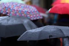 Τοπικά έντονες βροχοπτώσεις σήμερα στα κεντρικά και βόρεια και αρκετή αφρικανική σκόνη στα νότια