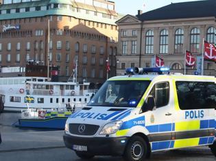 Φωτογραφία για Συναγερμός στη Στοκχόλμη έπειτα από πυροβολισμούς σε εμπορικό κέντρο