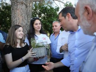 Φωτογραφία για Επίσκεψη του πρώην πρωθυπουργού κυρίου Αλέξη Τσίπρα στα γραφεία του  Αγροτικού Συλλόγου Ελαιοπαραγωγών Αιτωλικού