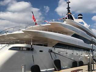 Φωτογραφία για O' Pari: Εγκαινιάστηκε το Megayacht «κόσμημα» της ελληνικής ναυπηγικής