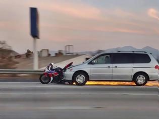 Φωτογραφία για Κινηματογραφικό ατύχημα στην Καλιφόρνια (VIDEO)