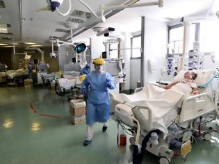 Φωτογραφία για Υπάρχουν ενδείξεις από την Ιταλία πως εξασθενεί ο ιός; Τι απαντά ο Ηλίας Μόσιαλος