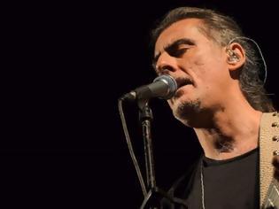 Φωτογραφία για Φίλιππος Πλιάτσικας: Για ποιόν προοριζόταν το τραγούδι Ποιός έχει λόγο στην αγαπη