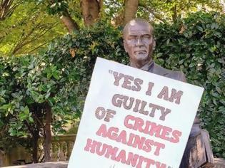 Φωτογραφία για ΗΠΑ: Επιγραφή με μήνυμα κατά της γενοκτονίας κρέμασαν σε άγαλμα του Κεμάλ