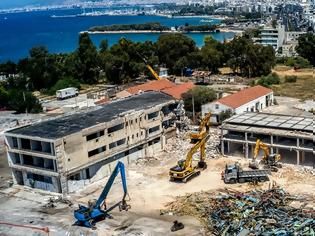 Φωτογραφία για ΚΕΡΔΙΣΕ  ΤΟ ΣΤΟΙΧΗΜΑ Ο ΑΔΩΝΙΣ.....Ελληνικό: Μπήκαν οι μπουλντόζες - Ξεκίνησαν εργασίες κατεδάφισης