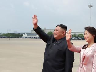 Φωτογραφία για Κιμ Γιονγκ Ουν ανατίναξε γραφεία της Νότιας Κορέας επειδή έστειλαν «βρώμικες» φωτογραφίες της γυναίκας του