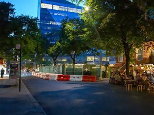Φωτογραφία για Η ζωή επιστρέφει στη Νέα Υόρκη: Η πανδημία σε ύφεση - Ανοίγουν μπαρ και εστιατόρια