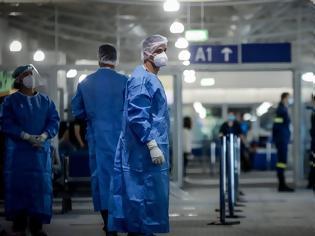 Φωτογραφία για Τι δείχνουν τα στοιχεία για τα «εισαγόμενα» περιστατικά - Αγωνία για τα 4.500 τεστ στα αεροδρόμια