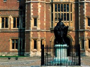 Φωτογραφία για Eton College: Το κολέγιο όπου φτιάχνονται οι ηγέτες αλλάζει