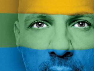 """Φωτογραφία για Νίκος Μουτσινάς: «Δεν ένιωσα ποτέ στη ζωή μου """"διαφορετικός""""»"""
