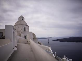 Φωτογραφία για Restart στον τουρισμό αλλά χωρίς... να ρίχνουν τις τιμές οι ξενοδόχοι - Απλησίαστα τα νησιά