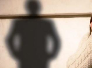 Φωτογραφία για Ένοχοι ο επιχειρηματίας και ο πατέρας 14χρονης για μαστροπεία και ασέλγεια σε βάρος της