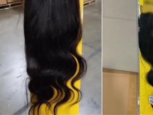 Φωτογραφία για Κατάσχεσαν 13 τόνους περούκες από μαλλιά κρατουμένων στην Κίνα