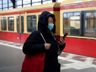 Φωτογραφία για Βερολίνο: Απίστευτη «οδηγία» από τον οργανισμό συγκοινωνιών - Βρωμάτε για να φοράνε σωστά τη μάσκα!