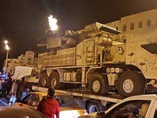 Φωτογραφία για Λιβύη: Στρατιωτικό πόκερ με βομβαρδισμούς - Τι επιδιώκουν Τουρκία, Γαλλία, Ρωσία, Ιταλία και Αίγυπτος