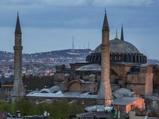 Φωτογραφία για Αγία Σοφία: Διαδικτυακή καμπάνια για να μην γίνει τζαμί - Πού μπορείτε να υπογράψετε
