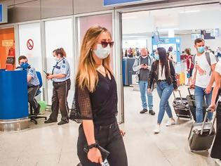 Φωτογραφία για Οι τουρίστες φέρνουν τον ιό στην Ελλάδα, γράφει η Handelsblatt