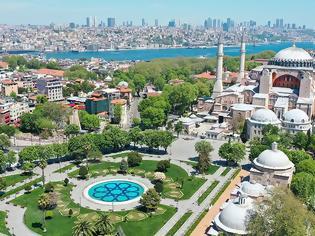 Φωτογραφία για Αγιά Σοφιά: Γιατί είναι παράνομη η απόφαση του τουρκικού ΣτΕ - Τα επιχειρήματα της UNESCO