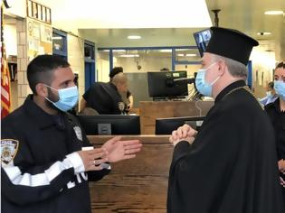 Φωτογραφία για Επίσκεψη Ελπιδοφόρου σε Αστυνομικό Τμήμα της Νέας Υόρκης