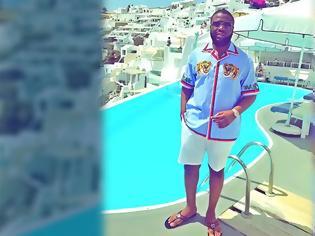Φωτογραφία για Έτσι έπιασαν τον Νιγηριανό influencer που λάτρευε τη Σαντορίνη, τα ιδιωτικά αεροσκάφη και τα πολυτελή αυτοκίνητα