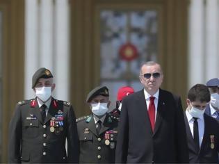 Φωτογραφία για Τουρκία: Πώς «γιόρτασε» την επέτειο του πραξικοπήματος στην Αγιά Σοφιά ο Ερντογάν