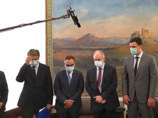 Φωτογραφία για Δωρεά της Βουλής 50 κλίνες ΜΕΘ στο «Σωτηρία» - Η μεγαλύτερη κοινωνική προσφορά του Κοινοβουλίου