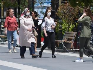 Φωτογραφία για Γαλλία : Δραματική αύξηση κρουσμάτων κορωνοϊού σε μία εβδομάδα