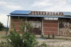 Τρίκαλα: Χαλασμός στο Ρίζωμα! Ξηλώθηκαν στέγες από την κακοκαιρία