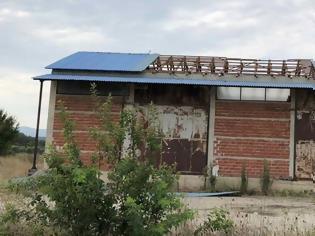 Φωτογραφία για Τρίκαλα: Χαλασμός στο Ρίζωμα! Ξηλώθηκαν στέγες από την κακοκαιρία