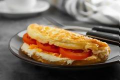 Απίστευτο: Τέλεια ομελέτα χωρίς τηγάνι