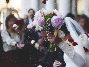 Φωτογραφία για Θεσσαλονίκη: 16 κρούσματα σε γάμο - «Ούτε καν χαιρετηθήκαμε» λέει ο γαμπρός