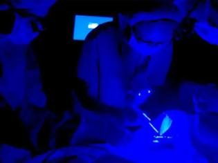 Φωτογραφία για Οι μπλε λάμπες το βράδυ αυξάνουν τον κίνδυνο καρκίνου του εντέρου