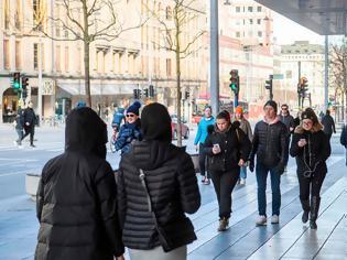 Φωτογραφία για Κατάφερε τελικά η αμφιλεγόμενη στρατηγική της Σουηδίας να σώσει την οικονομία;