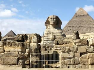Φωτογραφία για Η Αίγυπτος διαβεβαιώνει τον Έλον Μασκ πως οι πυραμίδες... δεν χτίστηκαν από εξωγήινους