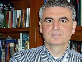 Φωτογραφία για Ο καθηγητής Οικονομικών, είναι ακόμη ένα από τα στελέχη της ευρύτερης κεντροαριστεράς που αξιοποιείται από τον Πρωθυπουργό Κυριάκο Μητσοτάκη