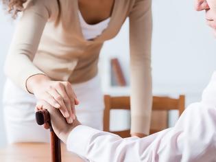 Φωτογραφία για Τρέμουλο χεριών: Καμπανάκι κινδύνου για τη νόσο Πάρκινσον; – Τι ισχύει