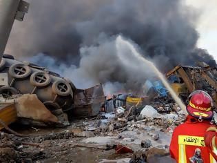 Φωτογραφία για Ο Λίβανος θρηνούσε σήμερα τα θύματα της ισχυρότερης έκρηξης ....Θρήνος και λαϊκή οργή για τους 145 νεκρούς - Έγινε κόλαση, είδα ανθρώπους να εκσφενδονίζονται