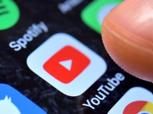 Φωτογραφία για Google διαγράφει 2.500 κανάλια στο YouTube για παραπληροφόρηση