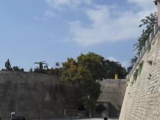 Φωτογραφία για Ηράκλειο: 69χρονη έπεσε από τα Ενετικά Τείχη βάζοντας τέλος στη ζωή της