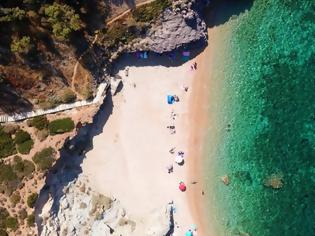 Φωτογραφία για Αττική: Αυτές είναι οι 199 κατάλληλες για κολύμπι παραλίες της
