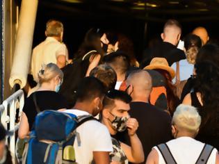 Φωτογραφία για Ανησυχία για τους εκδρομείς: 7ήμερη «καραντίνα» για όσους επιστρέφουν από διακοπές, συστήνουν οι ειδικοί