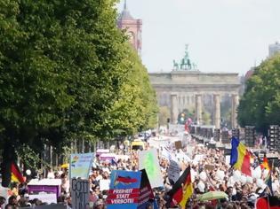 Φωτογραφία για Μεγάλες διαδηλώσεις στην Ευρώπη για την... «ιατρική τυραννία»: «Ο κορωνοϊός είναι ένα μεγάλο ψέμα»!