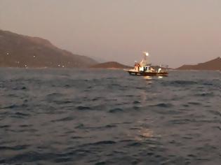 Φωτογραφία για Έλληνες αλιείς καταγγέλλουν την προκλητική συμπεριφορά των Τούρκων - Δείτε βίντεο από τη Σάμο