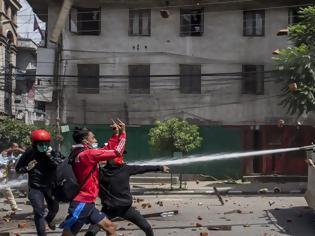 Φωτογραφία για Χαμός στο Νεπάλ σε θρησκευτική γιορτή - Αψήφησαν τα μέτρα εν μέσω πανδημίας