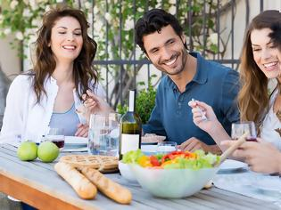 Φωτογραφία για Φάγατε σκόρδο; Οι καλύτεροι τρόποι να απαλλαγείτε από τη δυσάρεστη αναπνοή