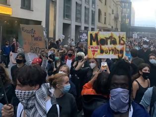 Φωτογραφία για Φωτιά στη Μόρια: Διαδηλώσεις σε γερμανικές πόλεις ως ένδειξη αλληλεγγύης για τους πρόσφυγες