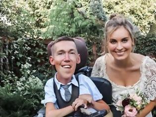 Φωτογραφία για Παροξυσμός αηδιαστικών σχολίων στα social media για γάμο ζευγαριού ΥouTubers